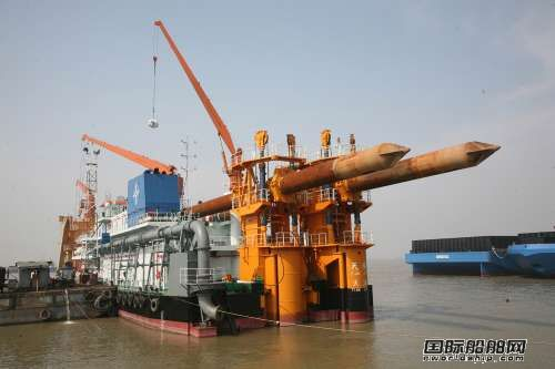 中船中山造船基地吹沙填海工程展开